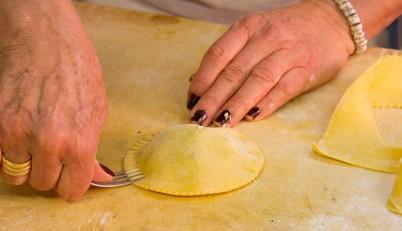 Lezioni di cucina toscana a cortona lezioni a tema di - Tema sulla cucina ...